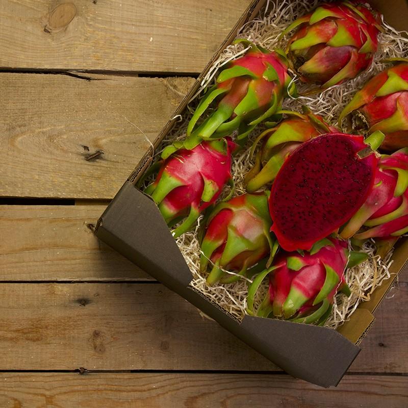 caja de pitaya roja de Motril